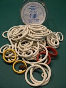 105 Stück Original Flippergummi Ringe in verschiedenen Grössen von Sevenstar  Die Ringe sind mit Talkum behandelt. Bewahren Sie die Gummiringe immer in der Frischebox auf. So bleiben die Gummi geschmeidig und gut haltbar.  Qualität 1A